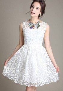 white-floral-false-2-in-1-round-neck-lace-dress-210x300